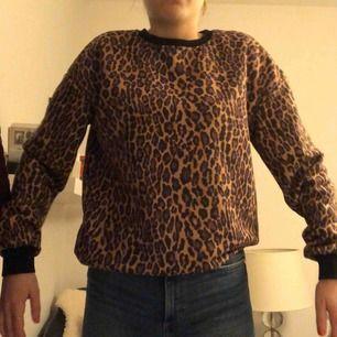 Snygg tröja som inte kommer till så mycket användning, endast använt ett fåtal gånger