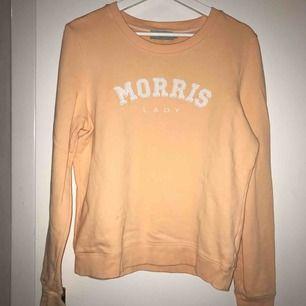 Morris tröja, använd 1 gång nypris 1200kr  Färgen är corall