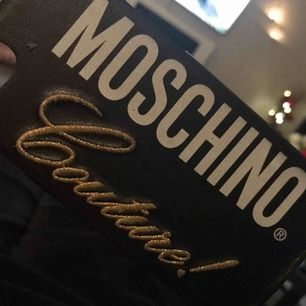 Moschino skal passar iPhone 6