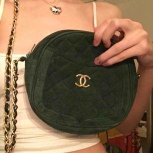 fake chanel väska dom jag köpte på plick:) mörkgrön med guld, skitfin