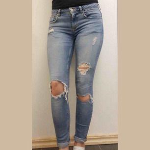 Gina Jeans 🦋 Modell Kristen W28 ✖️ Passar mig som vanligtvis bär storlek S i byxor. Endast använda några gånger. ✖️ Skickar ALLTID spårbart 📦  155kr inkl. Frakt
