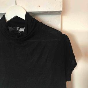 Svart polotshirt från H&M