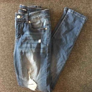 Helt oanvända endast testade jeans från Fashionova, sitter tight men skönt på!