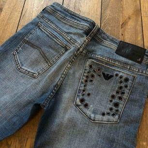 Jätte snygga jeans ifrån Armani! Raka i modellen! 🥰