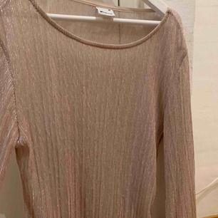 Genomskinlig rosa blus från Gina tricot, använd Max 3 ggr