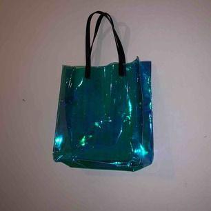 Jätte snygg och cool väska som tyvärr inte kommer till användning längre