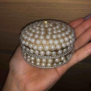 Smycke box gjord av pärlor