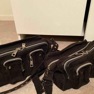 Jag och min syster har bestämt oss för att sälja våra älskade Nunoo bags🥺 Ena väskan saknar det långa bandet som brukar ingå när man köper den. Pris kan diskuteras!