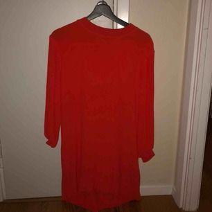 Orange klänning / tunika från Weekday, storlek xs. Säljer pga bristande användning🌿