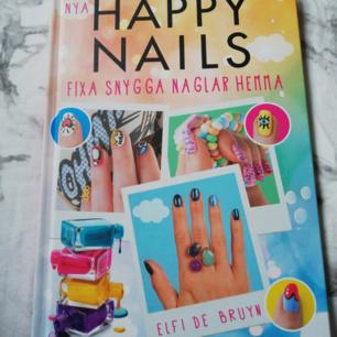 Har aldrig använt den eftersom jag inte gillar att måla mina naglar. Så den är i perfekt skick. Frakt: 10kr