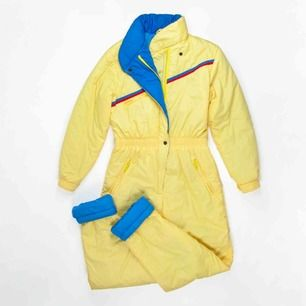 Vintage 90s ski jumpsuit in yellow Label: 38, fits best size S Measurements (flat, approx.):  leg inseam: 77 cm waist (not stretched): 38 cm Free shipping! Read the full description at our website majorunit.com No returns
