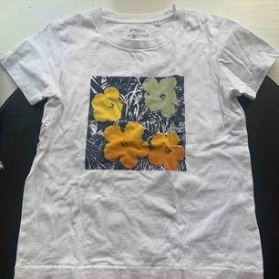 Piss snygg t-shirt från uniqlo x Andy Warhol