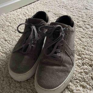 Axel arigato skor! Välanvända med lite slitage på undersidan.