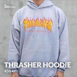 Thrasher hoodie i fint skick! Nypris 999kr passar både killar och tjejer, frakt ingår! Köpt i USA och 100% äkta, pris kan diskuteras