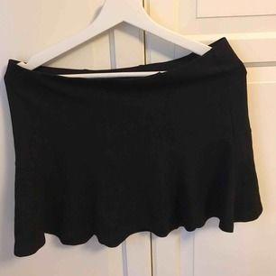Basic kjol från Gina