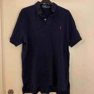 En oversized polo Ralph Lauren tröja i storlek M (L-M) skit snyggt att knyta. Köpare står för frakten 💖