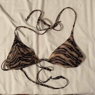 Fin bikini överdel jag inte använder längre. Jättefint skick. Kan mötas i Enköping/Uppsala annars står köpren för frakten😊 betalas med swish