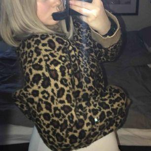 Jättefin stickad tröja frpn Zara, knappt använd💗