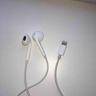 Helt nya Apple hörlurar