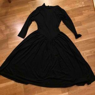 Vintage klänning dragkedja i ryggen, kolsvart