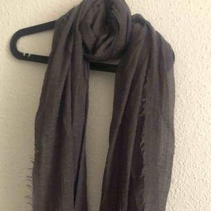 Delicate gray scarf