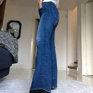 Boot cut jeans från calvin klein!