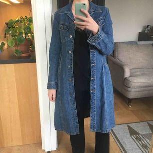 Jeansjacka/klänning köpt second hand i superfint skick! Frakt +42 kr