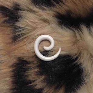 4 mm spiral,gratis frakt!
