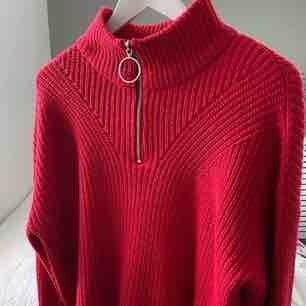 Trendig stickad half zip tröja! Något croppad i modellen🥰