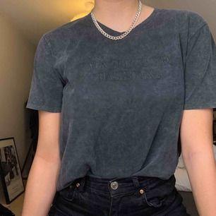 Snygg t-shirt från Zara som säljs då den inte används 🥰