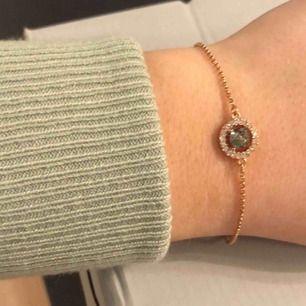 Rose Armband med safir