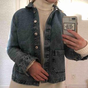 Jeansjacka från Vero Moda, aldrig använd. Priset är inklusive frakt 🥰