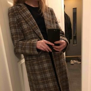 Väldigt fin kappa nu till våren🥰🥰köparen står för frakten