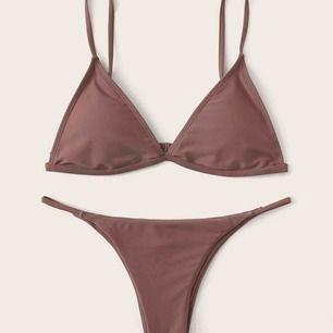 En superfin OANVÄND bikini från She In! Superfin färg, mkt ljusare än på bilden, kan skicka fler bilder om så önskas! 🤍