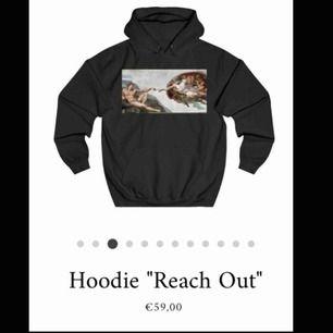 💫💫Säljer min The Cool Elephant hoodie då den är för liten för mig:((  💕använd fåtal gånger i ett rök och pälsfritt hem💕  köpt för 600kr-pris kan diskuteras  hör av dig om du har någon fundering<3