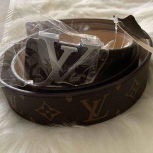 Louis Vuitton bälte äkta skinn med silver detalj Helt ny Kanon A a kopia Fraktas också spårbar 63kr