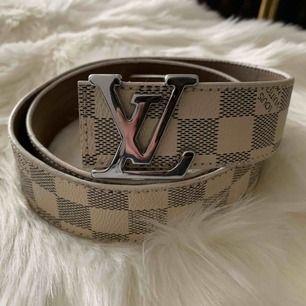 Louis Vuitton bälte Damier Aa kopia  Hämtas kan frakta också spårbar 63kr