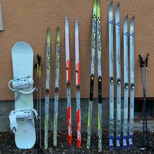 Snowboard KR Moment 142 cm = 300 kr Sportskidor Fischer Universal 162 cm = 200 kr Atomic Pro Classic 175 cm = 300 kr Fischer Classic 202 cm = 300 kr Turskidor Fischer Ridge Max 195 cm = 200 kr Fischer Ridge Max 180 cm = 200 kr