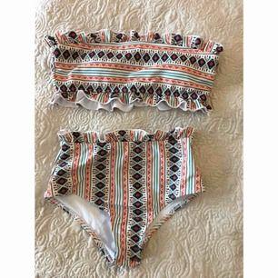 oanvänd bikini inköper på shein  storlek M i överdel och S i underdel, trosskydd kvar