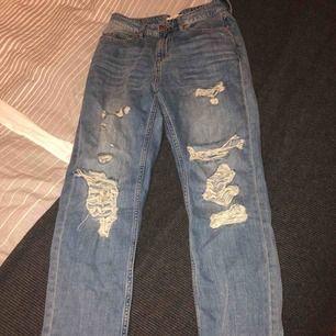 Jätte fina boyfriends jeans, i strl 6 (motsvarar 34)