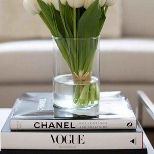 Chanel coffe table book. Nypris 500kr Nyskick, fin inredningsdetalj!