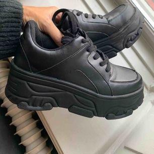 Oanvända skor från dinsko! Nypris 599:-!