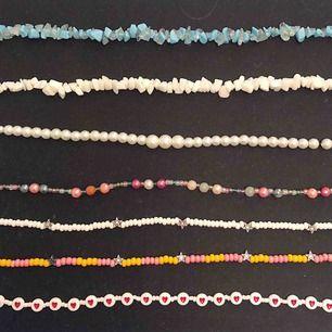 Gör egna smycken! Här finns olika varianter, ni får gärna lägga egna beställningar så kan vi diskutera pris :)  Dessa halsband är alltså bara förslag på design. Kan självklart göra likadana eller liknande, men man kan också önska färger och design!