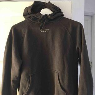 En superfin hoodie från Carlings. Säljer den tyvärr för att den har blivit lite liten. Köparen står för frakt!