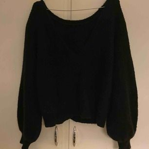 En super snygg V ringad tröja ifrån Linn Ahlborg kollektion :)