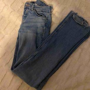 Super snygga bootcut jeans ifrån h&m:)