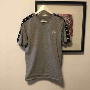 Skitcool Nike t-shirt, storlek möts i Katrineholm eller fraktar. Köparen står för frakt. Betalning via Swish 🤑