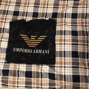 Armani t-shirt. Tror den är fake därav priset. 150kr + frakt. Fler bilder kan fixas.