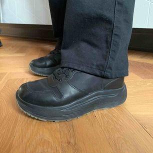 Svarta sneakers från Eytys. Storlek 37, frakt ingår 🚚