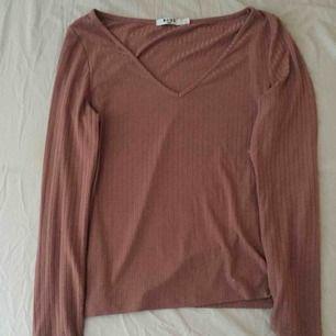 Säljs då den är för stor den är sällan använd är gammel rosa frakt tillkommer